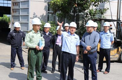 Jiangyan District Public Security Bureau, fire brigade leader to Runtai shares routine holiday inspection